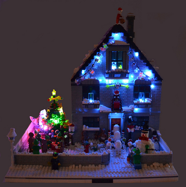 lego-christmas-house-by-nick-sweetman-2.jpg
