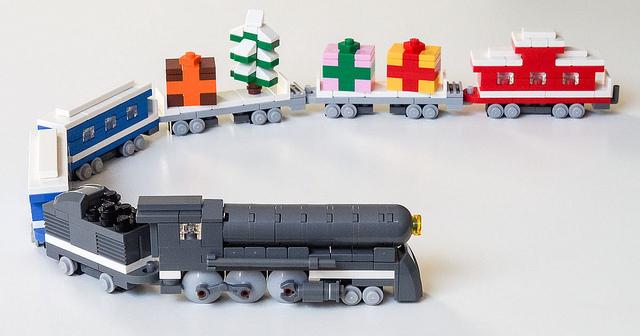 Как сделать поезд из лего